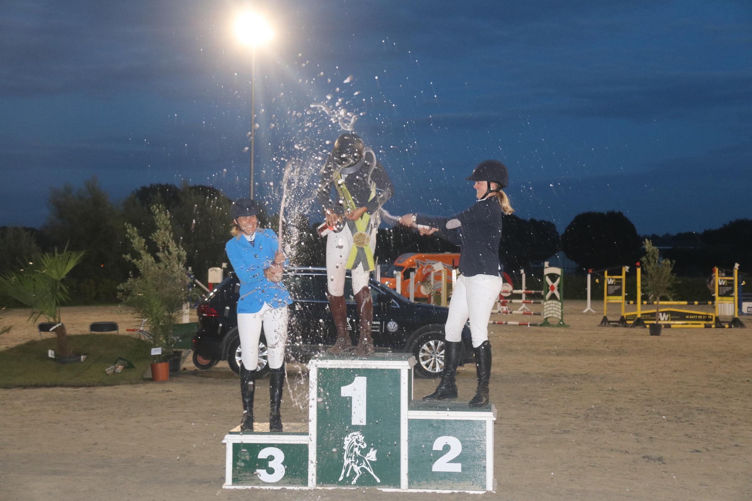 nathalie_geeraerts_ann_verdoodt_jolien_parewyck_queens_cup_horseman_17.jpg_2.jpg