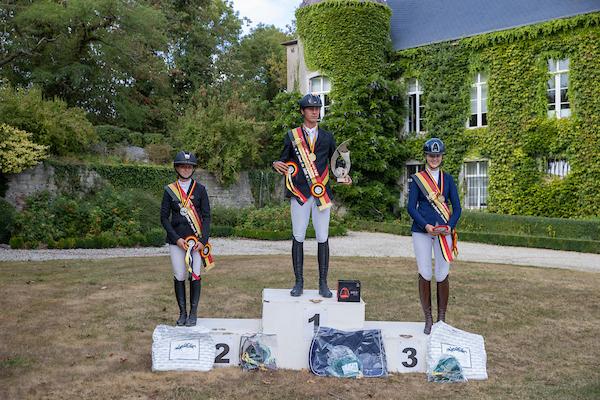 podium_juniors_-arvi20b0909.jpg